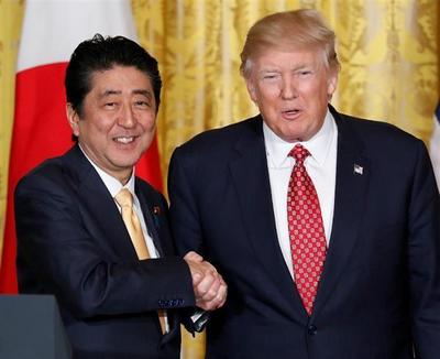 安倍首相とトランプ大統領・握手.PNG