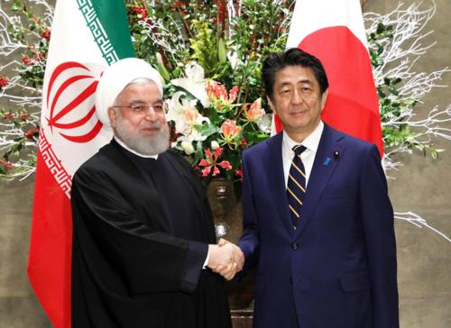 イランのロウハニ大統領と安倍晋三.PNG