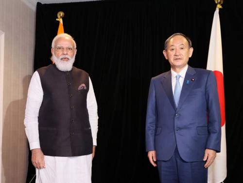 インドのモディ首相と菅義偉.PNG