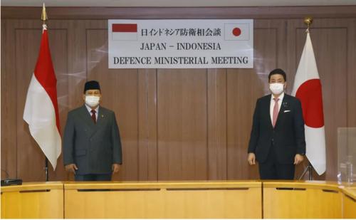 インドネシアのプラボウォ国防相と岸信夫.PNG