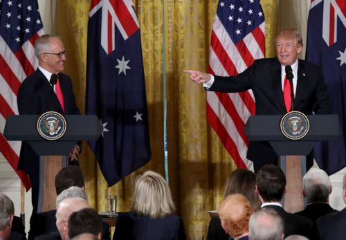 オーストラリアのターンブル首相とトランプ.PNG