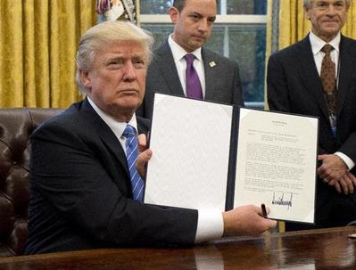 トランプ大統領・TPP離脱.PNG