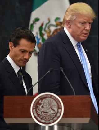 メキシコのペニャニエト大統領とトランプ大統領.PNG
