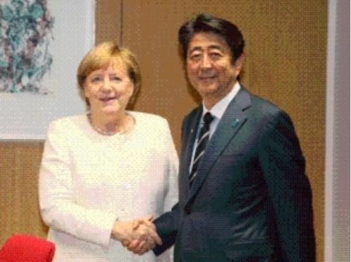 メルケルと安倍晋三.PNG