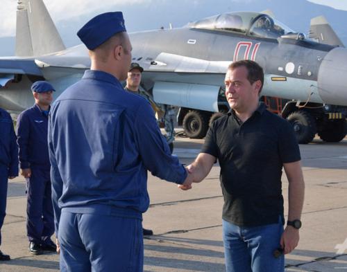 ロシアのメドベージェフ首相.PNG