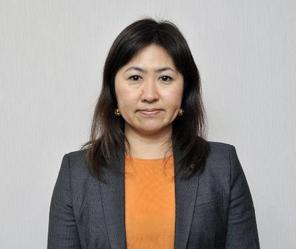 亀井亜紀子.PNG