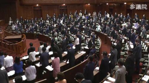 国家公務員法改正案・成立.PNG