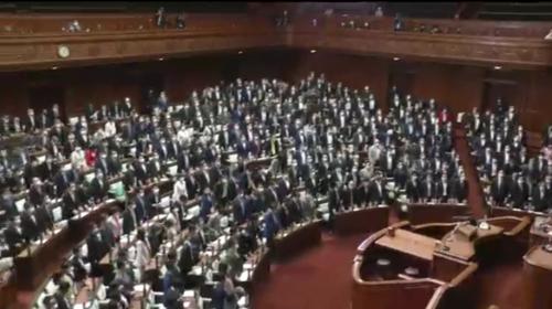 外国弁護士法・成立・衆院.PNG