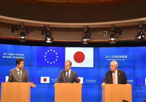安倍晋三(左)・EU・WTO改革.PNG