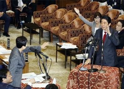 安倍首相(右)・国会.PNG