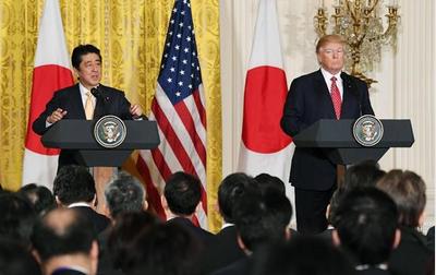 安倍首相とトランプ大統領.PNG