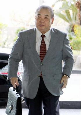 沖縄県の安慶田光男副知事.PNG