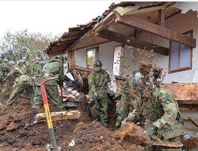 熊本地震・自衛隊.PNG
