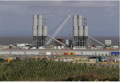 英南西部ヒンクリーポイントの原子力発電所.PNG