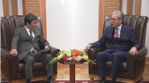 茂木敏充とタイのソムキット副首相.PNG