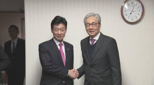 西村康稔とタイのソムキット副首相・TPP.PNG