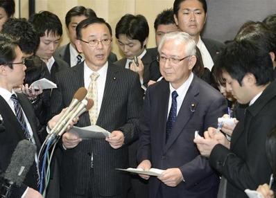 谷垣禎一(左)・軽減税率.PNG