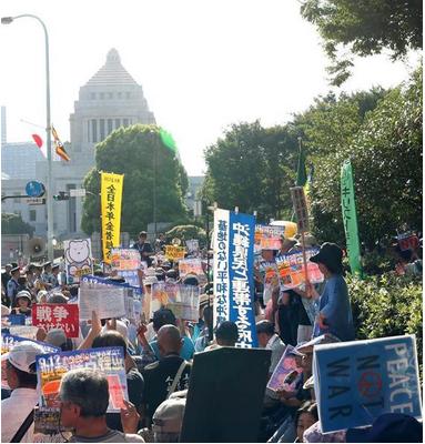 辺野古埋め立て工事に反対するデモ.PNG