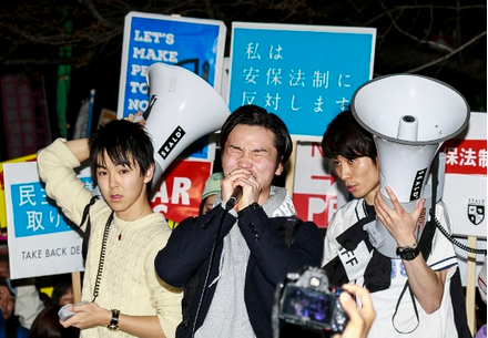 SEALDs・国会前.PNG